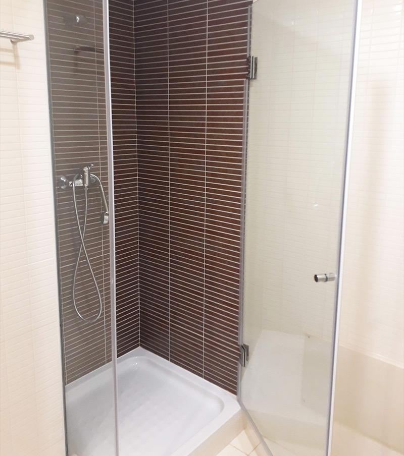 Resguardos em vidro para banheiras e polibãs em Faro